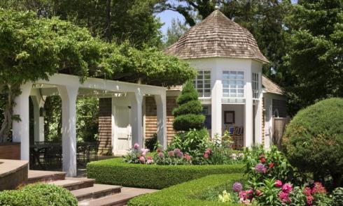 shingle style cottage