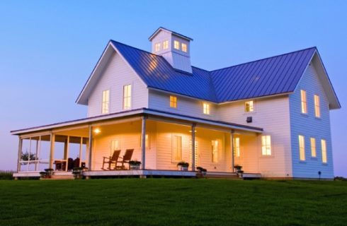 Farm house designs for getaway retreats for Simple farmhouse designs