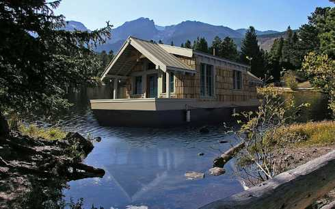 Floating Houses Cabins Become A Modern Day Huckleberry