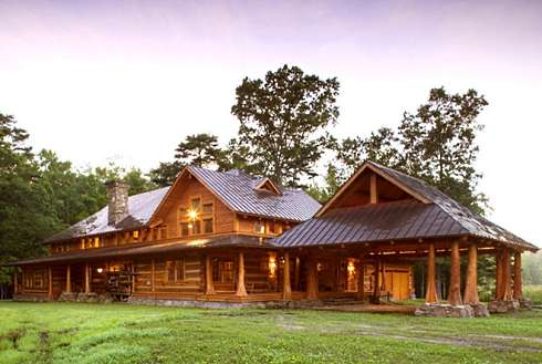 Log Cabin Home Plans . . . A Spectacular Hunter\'s Haven!
