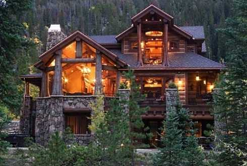Small cabin design tiny traditionals to compact for Mountain home designs colorado