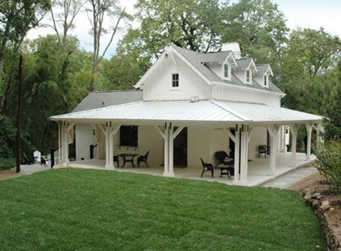 Small farmhouse plans cozy country getaways for Small modern farmhouse