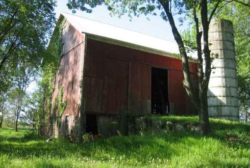 barn home before renovation