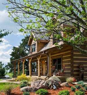 Cabin design ideas and plans distinctive log cabins for Log home landscape design