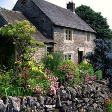 The English Cottage . . . Like No Other! Quaint English Cottages