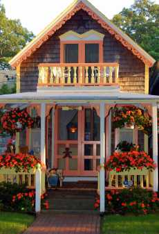 Small prefab and modular houses small house bliss zip kit for Victorian style kit homes